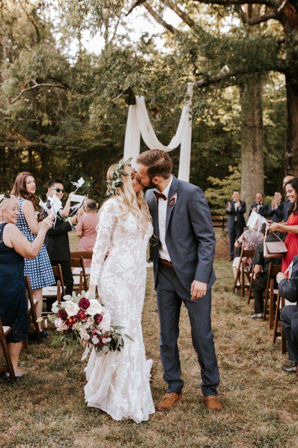 gorgeous-southern-marsala-wedding-at-grace-oaks-47