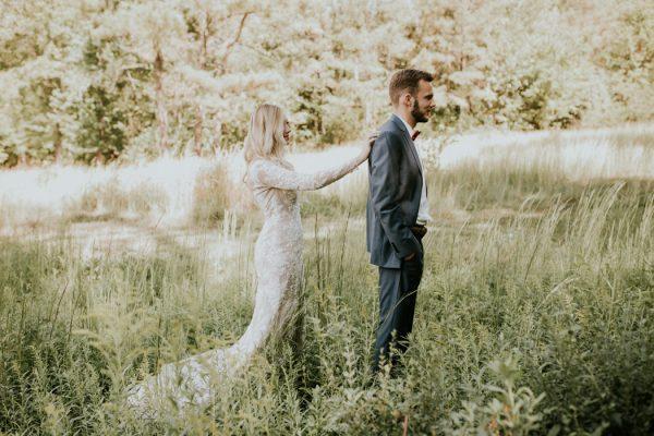 gorgeous-southern-marsala-wedding-at-grace-oaks-7