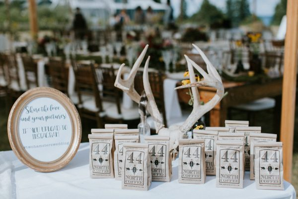 naturally-boho-maine-wedding-at-the-lookout-30