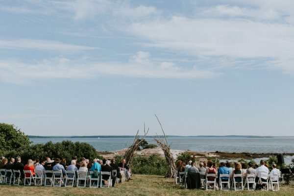 naturally-boho-maine-wedding-at-the-lookout-32