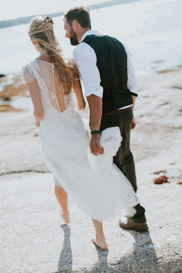 naturally-boho-maine-wedding-at-the-lookout-50