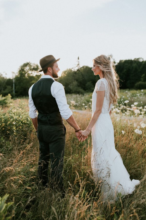 naturally-boho-maine-wedding-at-the-lookout-59