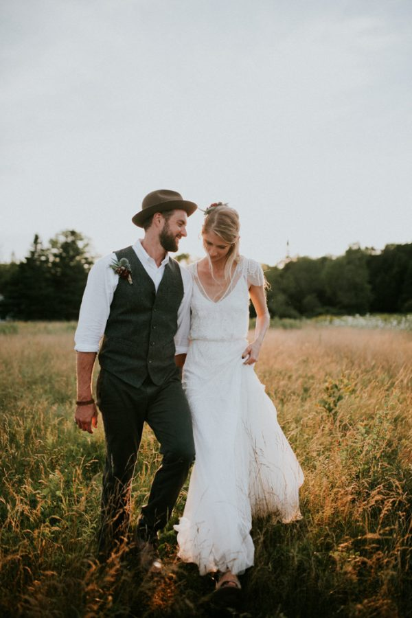 naturally-boho-maine-wedding-at-the-lookout-62