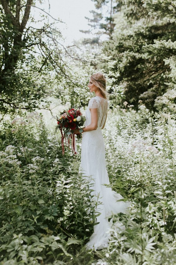 naturally-boho-maine-wedding-at-the-lookout-7