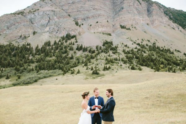 ntimate-mountaintop-wedding-inspiration-at-waterton-lakes-national-park-2