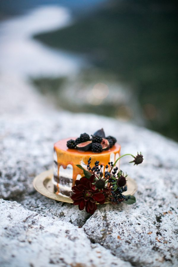 ntimate-mountaintop-wedding-inspiration-at-waterton-lakes-national-park-21