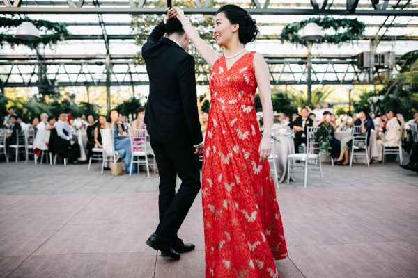 overwhelmingly-lush-michigan-wedding-at-the-planterra-conservatory-38