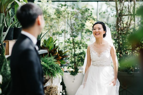 overwhelmingly-lush-michigan-wedding-at-the-planterra-conservatory-8