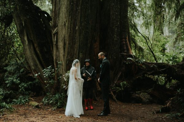 passionate-and-personal-tofino-beach-elopement-14