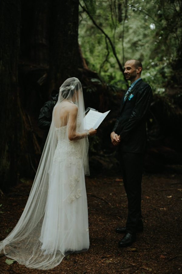 passionate-and-personal-tofino-beach-elopement-15