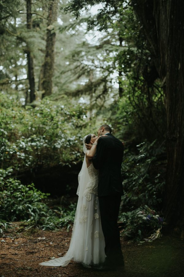 passionate-and-personal-tofino-beach-elopement-21