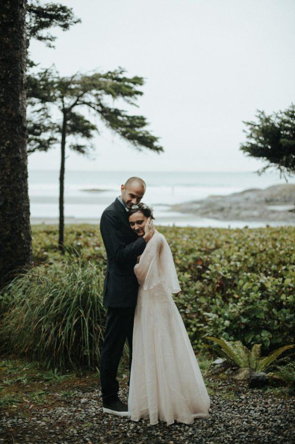 passionate-and-personal-tofino-beach-elopement-25