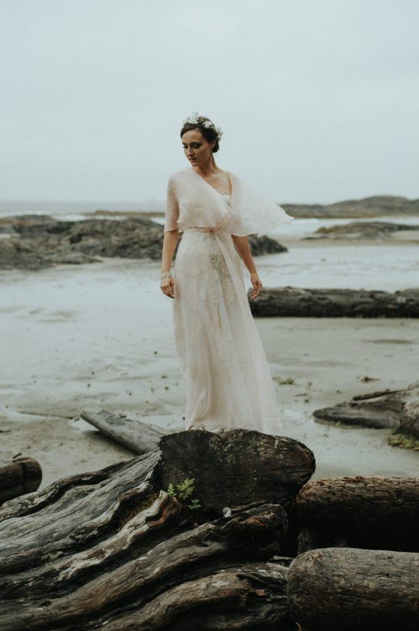 passionate-and-personal-tofino-beach-elopement-27