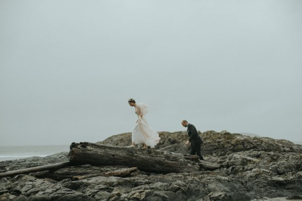 passionate-and-personal-tofino-beach-elopement-29