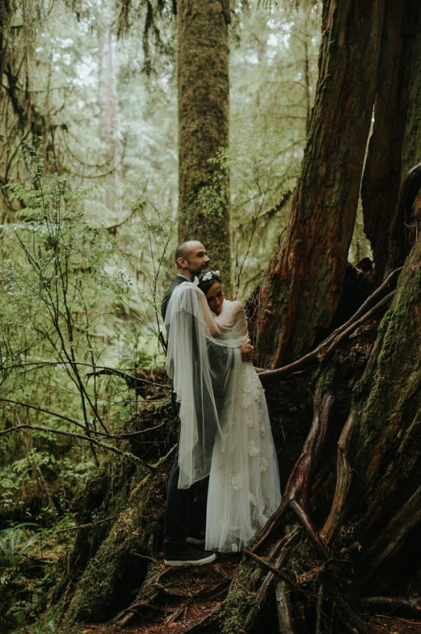 passionate-and-personal-tofino-beach-elopement-33