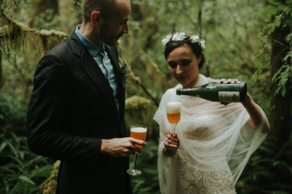 passionate-and-personal-tofino-beach-elopement-37