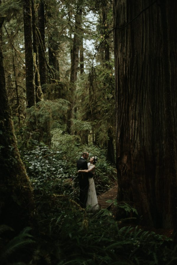 passionate-and-personal-tofino-beach-elopement-42