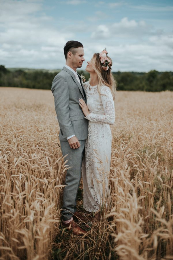 Rustic boho wedding at south pond farms junebug weddings junglespirit Choice Image
