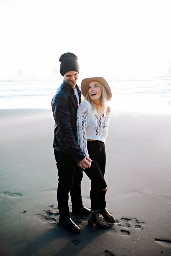 stylish-engagement-photos-on-second-beach-11