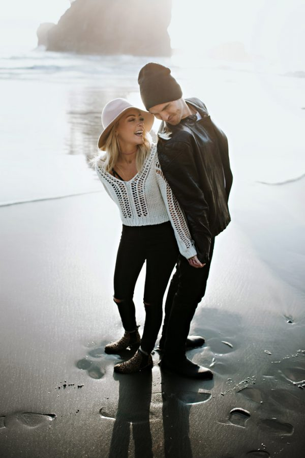 stylish-engagement-photos-on-second-beach-9