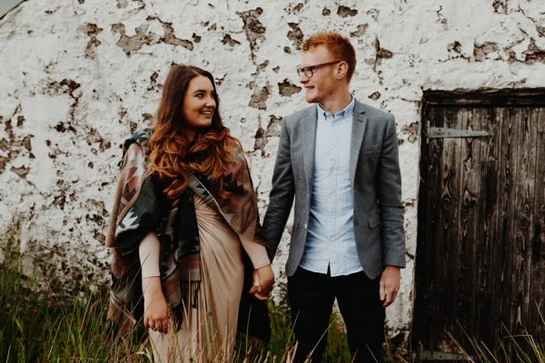 these-wild-portraits-in-glencoe-look-like-the-couple-has-the-world-to-themselves-5