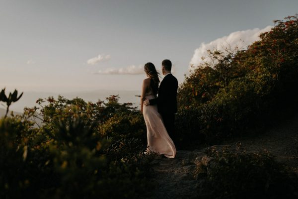 this-asheville-engagement-has-sunset-views-and-plenty-of-snuggles-15