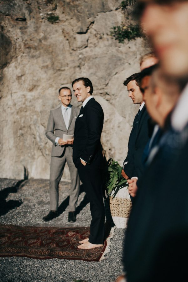 this-oceanside-wedding-at-shelter-cove-is-the-epitome-of-laid-back-chic-18