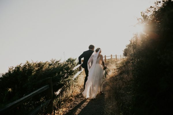 this-oceanside-wedding-at-shelter-cove-is-the-epitome-of-laid-back-chic-26