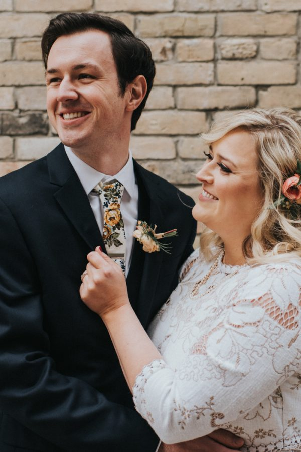 this-wedding-at-the-box-milwaukee-is-full-of-vintage-whimsy-20