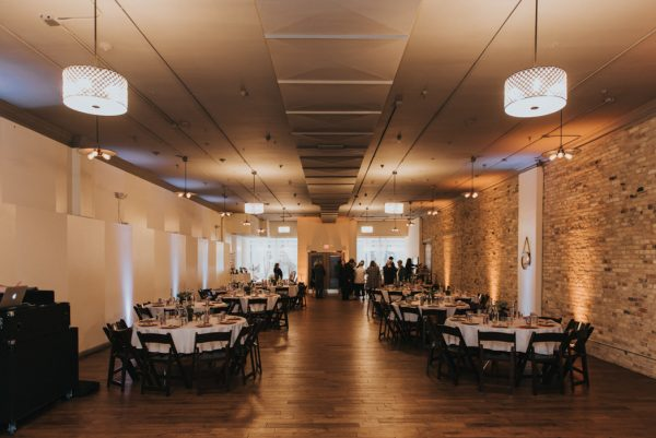 this-wedding-at-the-box-milwaukee-is-full-of-vintage-whimsy-31
