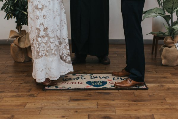 this-wedding-at-the-box-milwaukee-is-full-of-vintage-whimsy-32