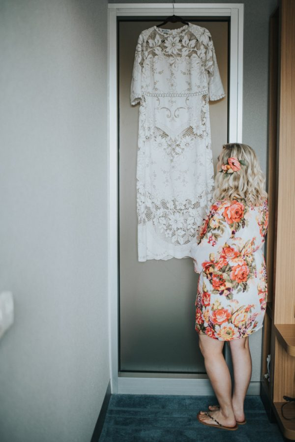 this-wedding-at-the-box-milwaukee-is-full-of-vintage-whimsy-8