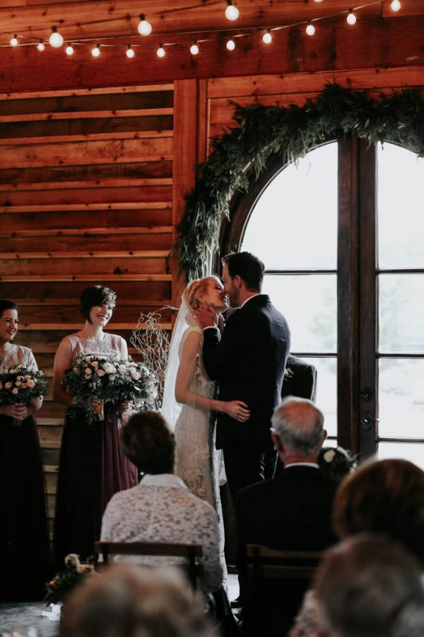 dreamy-oklahoma-barn-wedding-at-rosemary-ridge-melissa-marshall-photography-19