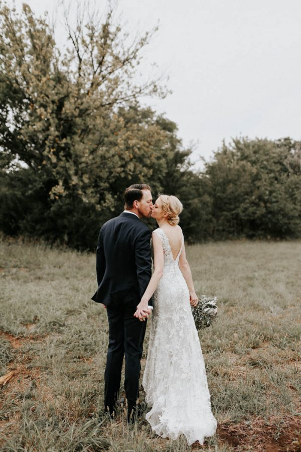 dreamy-oklahoma-barn-wedding-at-rosemary-ridge-melissa-marshall-photography-50