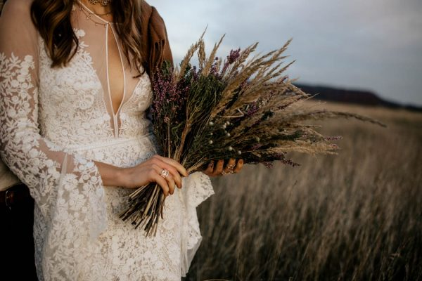 folksy-elopement-inspiration-in-munich-chris-and-ruth-photography-14
