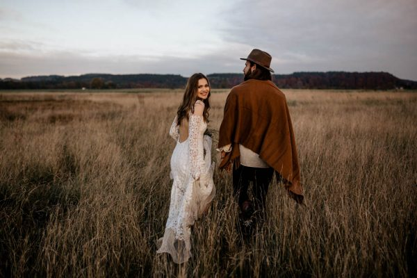 folksy-elopement-inspiration-in-munich-chris-and-ruth-photography-15