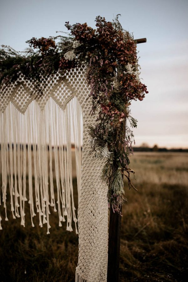 folksy-elopement-inspiration-in-munich-chris-and-ruth-photography-19