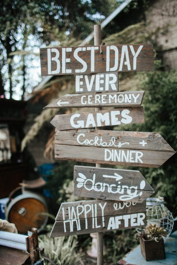 Glitzy Rustic Diy Wedding In Oxnard California Junebug Weddings