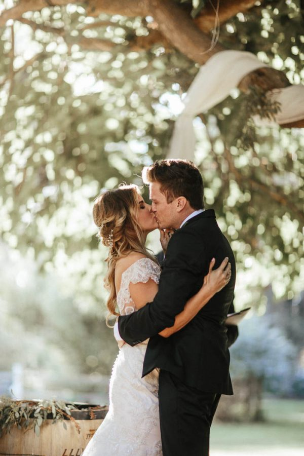 glitzy-rustic-diy-wedding-in-oxnard-california-hanna-photography-28