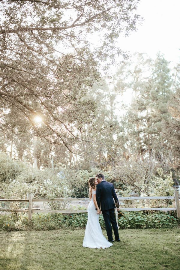glitzy-rustic-diy-wedding-in-oxnard-california-hanna-photography-34