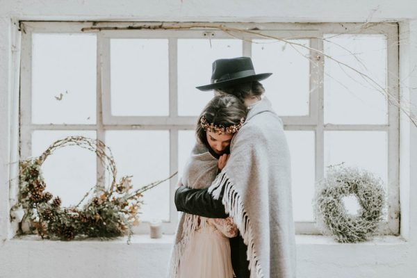 intimate-edgy-winter-wedding-inspiration-kathrin-krok-fotografie-50
