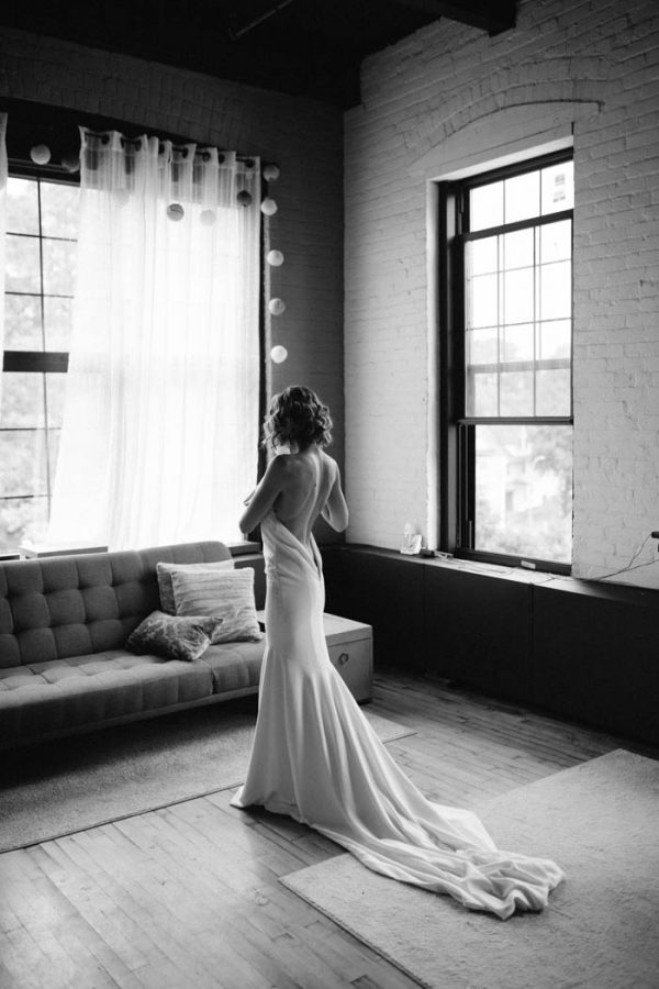 modern-natural-rochester-wedding-at-arbor-loft-alixann-loosle-photography-2