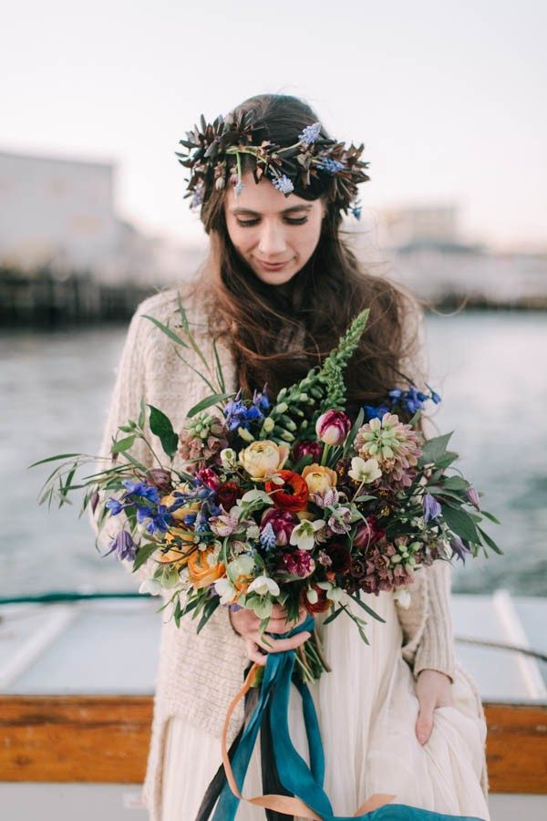 nautical-maine-wedding-inspiration-at-bangs-island-mussels-barge-36-600x900