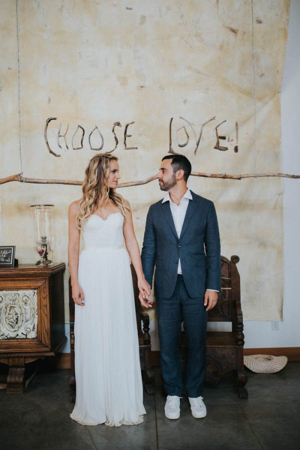 Southern California Desert Wedding Overlooking The Malibu Hills Junebug Weddings