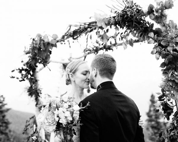 this-elegant-aspen-wedding-at-the-little-nell-has-the-most-breathtaking-backdrop-adonye-jaja-photography-41