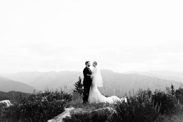 this-elegant-aspen-wedding-at-the-little-nell-has-the-most-breathtaking-backdrop-adonye-jaja-photography-47
