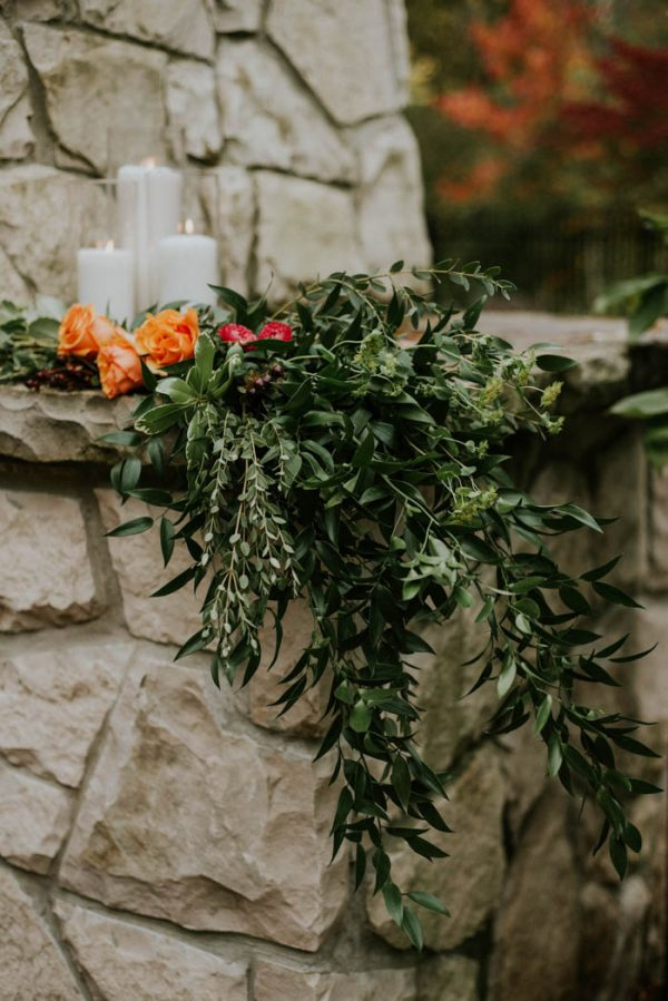 this-vibrant-fall-wedding-inspiration-gives-us-the-warm-fuzzies-weddings-by-alexandra-12