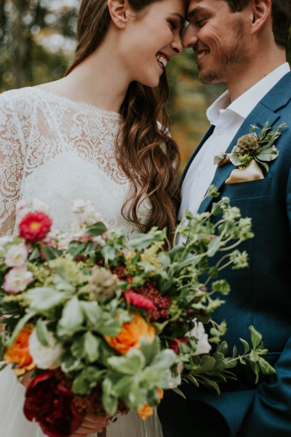 this-vibrant-fall-wedding-inspiration-gives-us-the-warm-fuzzies-weddings-by-alexandra-23