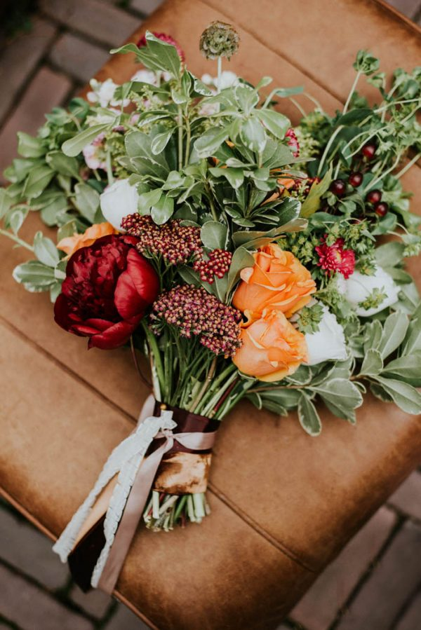 this-vibrant-fall-wedding-inspiration-gives-us-the-warm-fuzzies-weddings-by-alexandra-24
