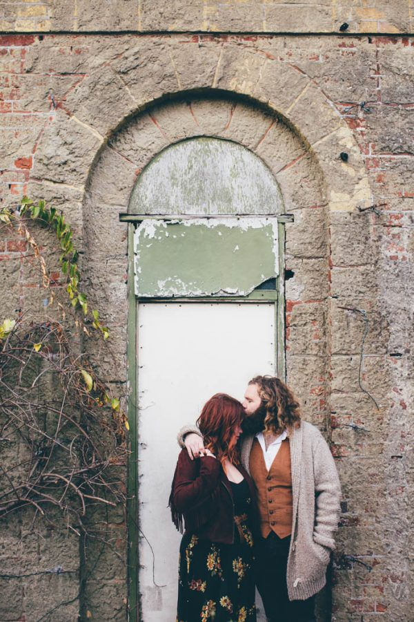 were-obsessed-with-the-bohemian-vibes-in-this-southsea-beach-engagement-hayley-savage-photography-10